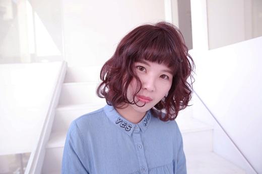 【台中美髮】salon染髮推薦台中美髮沙龍,染髮造型看起來有種時尚的感覺~超好看,而且評價高高唷~