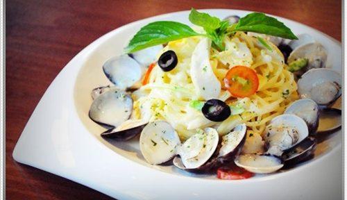 【高雄親子餐廳推薦】高雄咖啡館超多人推薦的唷!超人氣咖啡廳有超好吃的美食!還有我最愛的義大利麵餐點~適合家庭聚餐呢!