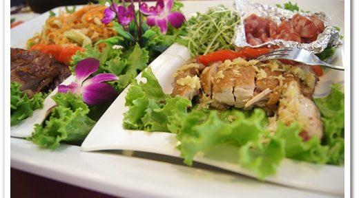 【高雄婚宴餐廳推薦】大家都很推薦的高雄婚宴會館是超好吃的海鮮餐廳!宴會廳都很有水準,是最優質的婚禮會館了~聚會場地價位也美美DER唷!