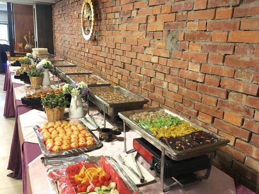 【外燴公司】台中有名的自助餐雞尾酒餐會好精緻●多年經驗的歐式buffet規劃得好完整-參加舞蹈教室的開幕酒會~點心餐點都好好吃~