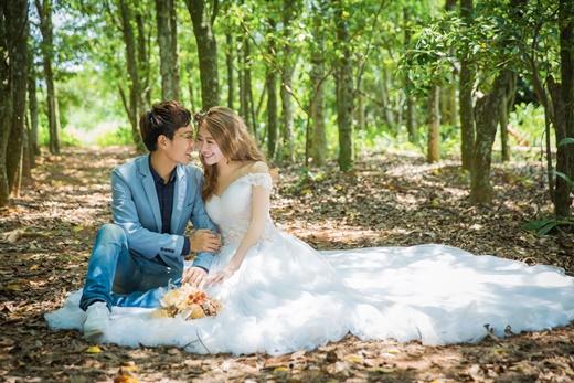 【推薦婚紗公司】專業婚紗攝影『台中』頂級質感婚紗店-台灣專業等級手工禮服質感-時髦的拍攝婚攝手法